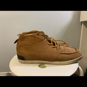 Men's Uggs leather chukkas Size 9 US